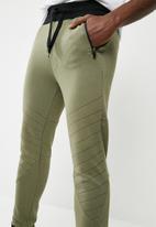 basicthread - Panel gym sweat pants - green