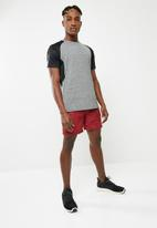 basicthread - Poly stretch panel tee - grey & black
