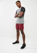 basicthread - Poly woven gym shorts - burgundy
