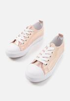 Cotton On - Metallic classic trainers - pink