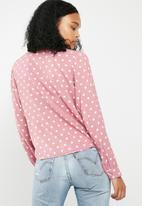 Superbalist - Soft V-neck button front shirt - pink