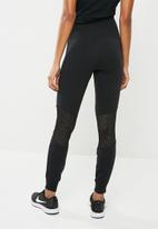 Nike - Essential mesh leggings - black