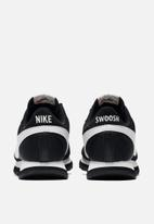 Nike - Pre-Love O.X. - Black / Summit white