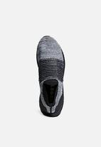adidas Performance - UltraBOOST Laceless  - core black / white