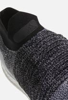 adidas Performance - UltraBOOST Laceless - Ftwr white / Core black