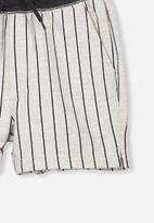 Cotton On - Henry slouch shorts - grey & black