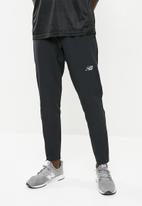 New Balance  - Tenacity track pants - black