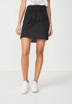 Cotton On - Woven Kelly knot front mini skirt - black