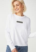Cotton On - Tbar Tammy chopped graphic long sleeve tee - white