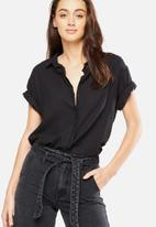 Cotton On - Cassie short sleeve shirt - black