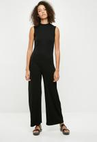 Missguided - High neck sleeveless jumpsuit - black