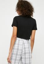 Missguided - Polo crop top - black