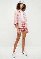 Missguided - Scuba check wrap skort - pink
