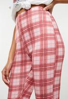 Missguided - Scuba check cigarette trousers - pink