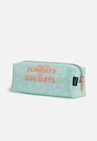 Typo - Clear bailey case - aqua dot Sundays
