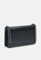Missguided - Chain faux leather trim croc cross body bag - black