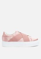 Missguided - Cross strap elastic flatform trainer - pink