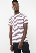 Superbalist - Stripe crew neck tee - white & burgundy