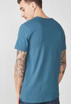 Cotton On - Essential V-neck tee - petrol blue