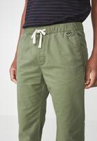 Cotton On - Drake cuffed pants - green