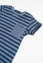 Superbalist - Kids boys striped crew neck tee - navy