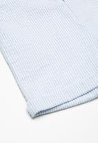 Superbalist - Pocket chino long shorts - blue & white