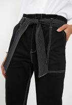 Superbalist - Utility trouser with contrasting stitching - black