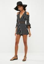 Missguided - Cold shoulder stripe playsuit - black & white