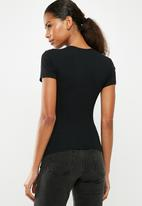 Missguided - Fitted crew neck T-shirt - black