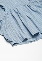 dailyfriday - Kids girls butterfly sleeve blouse - blue & white