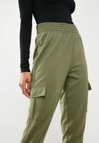 Missguided - Premium cargo trousers - green