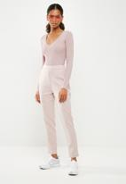 Missguided - Ultimate plunge knitted bodysuit - pink