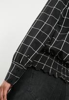 Superbalist - Smocked hem blouse - black & white