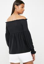 Pieces - Gurli off shoulder top - black
