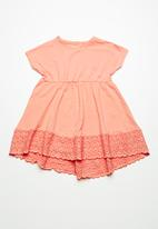 name it - Derita short sleeve flare dress - peach