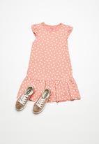 name it - Vida dress - peach & white