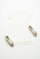 name it - Susan short sleeve lace dress - white