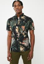 Only & Sons - Taylin short sleeve floral print shirt - black