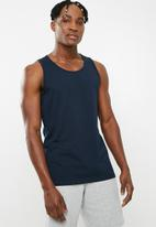 Superbalist - Plain vest 3 pack - navy, white & burgundy