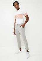 Only & Sons - Tom muscle fit colourblock polo - pink