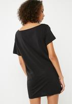 Missguided - Next big thing night tee - black