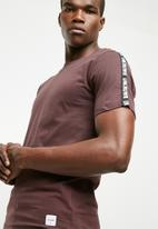 Only & Sons - Milton tape tee - burgundy