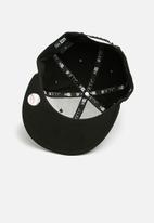 New Era - 9Fifty League Essential cap  - black