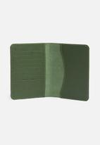 Escape Society - Leather passport holder - olive green