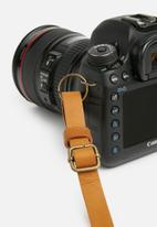 Escape Society - Leather camera sling - tan