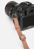 Escape Society - Leather camera sling - dusty pink