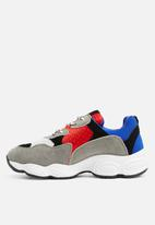 Missguided - Chunky sole colour block trainer - blue