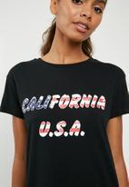 Superbalist - California tee - black
