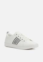ALDO - Veassi lace-up sneaker - white
