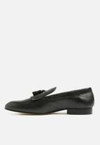 Superbalist - Fringe leather loafer - black
